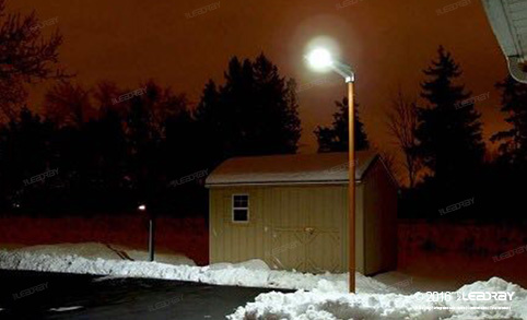 Leadray's Integrated Solar Street Lights 15 Watts Broke The Canada Village's Snowy Night Sky