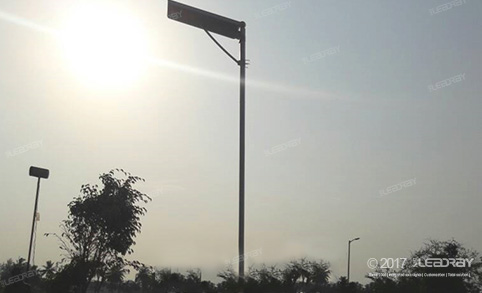 Leadray's 60W Solar Street Light With Pole Used In Them Park